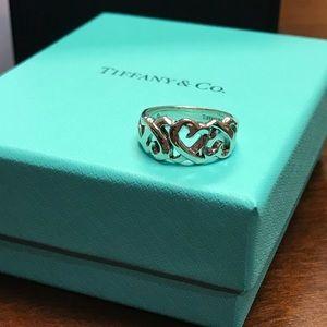 Tiffany & Co loving hearts ring, like new